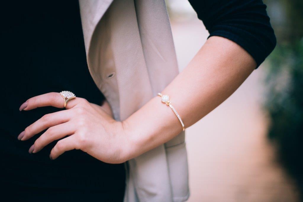 Pulseira Bracelete com Zircônias Folheada a Ouro 18K