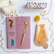 Caderneta Oncinha Pompom