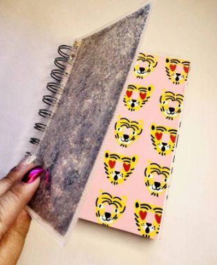 Caderno A6 Oncinha Pink- Hema