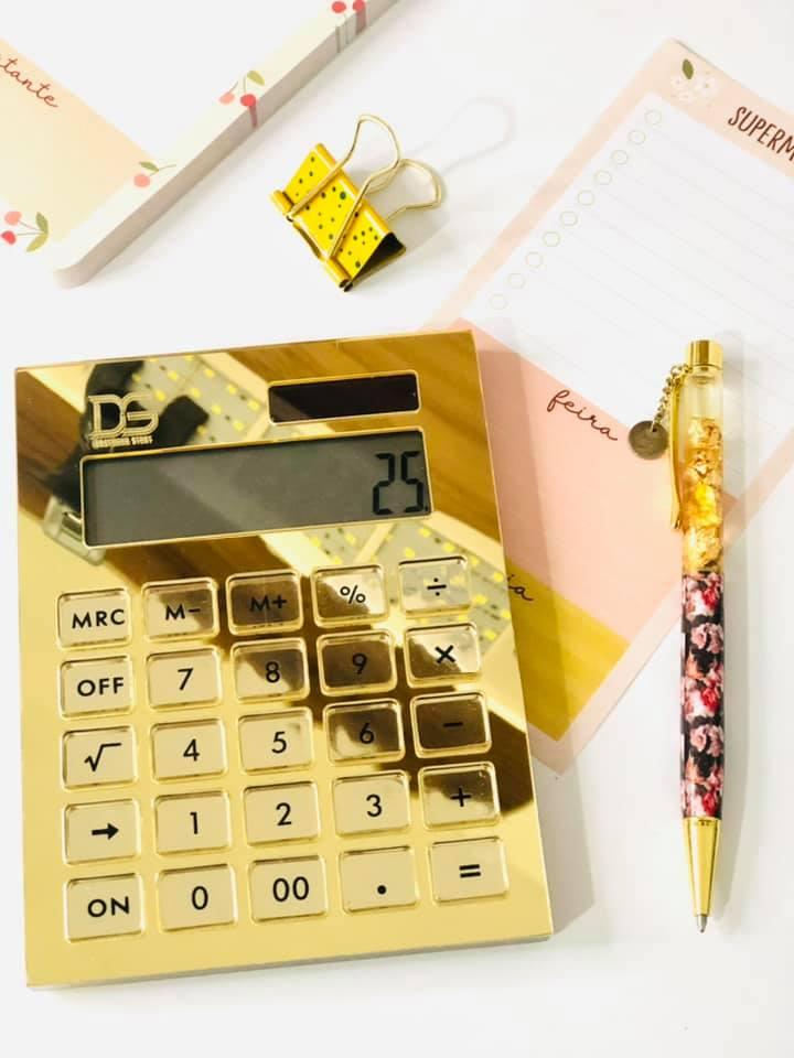 Calculadora Dourada de Acrílico Transparente