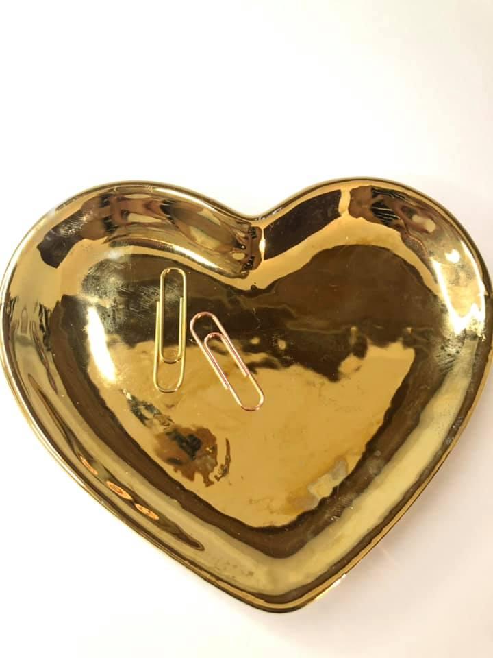 Pratinho de coração dourado