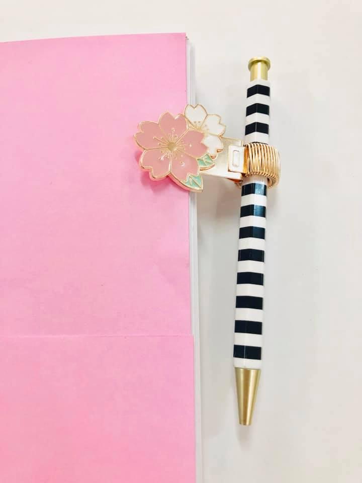 Prendedor de Caneta Sakura