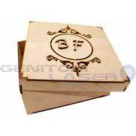 Caixa 15x15x6 mdf monograma brasão vazado com 2 letra