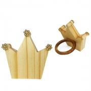 Jogo c/2 Argolas p/Guardanapos, formato coroa c/florzinha dourada,  em madeira de reflorestamento