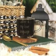 Caneca Coffee Is My Love Language em Vidro 300ml Coleção Exclusiva Lettering