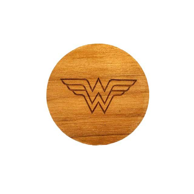 Argola Wonder Woman Madeira
