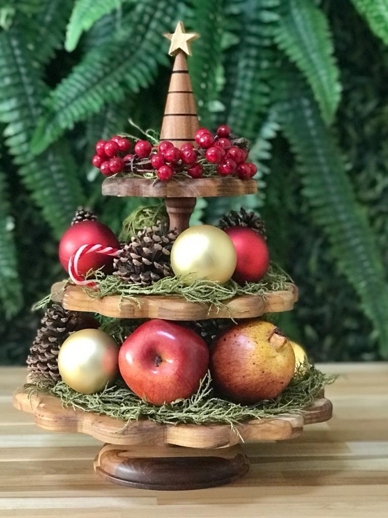 Prato Bailarina Pinheiro de Natal Madeira Teca borda ondulada