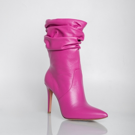 Bota Enrugada Salto Fino Veneto Pink