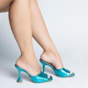 Mule Salto e Bico Quadrado Metalizado Azul Turquesa