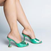 Mule Salto e Bico Quadrado Metalizado Verde