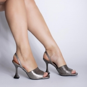 Sandália Estilo Chanel Salto Taça Metalizado Pewter