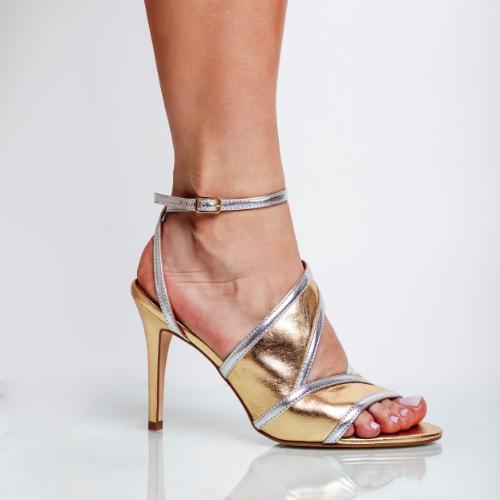 Sandália Recortes Salto Fino Cristal Prata/Ouro
