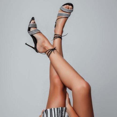 Sandália Tiras com Amarração Salto Fino Black/White