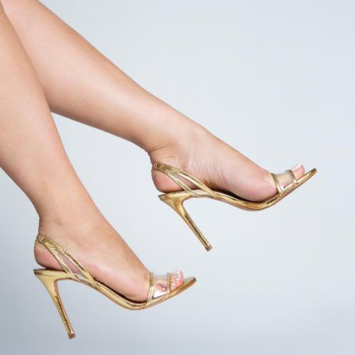 Sandália Tiras Finas com Vinil Transparente Metalizado Ouro