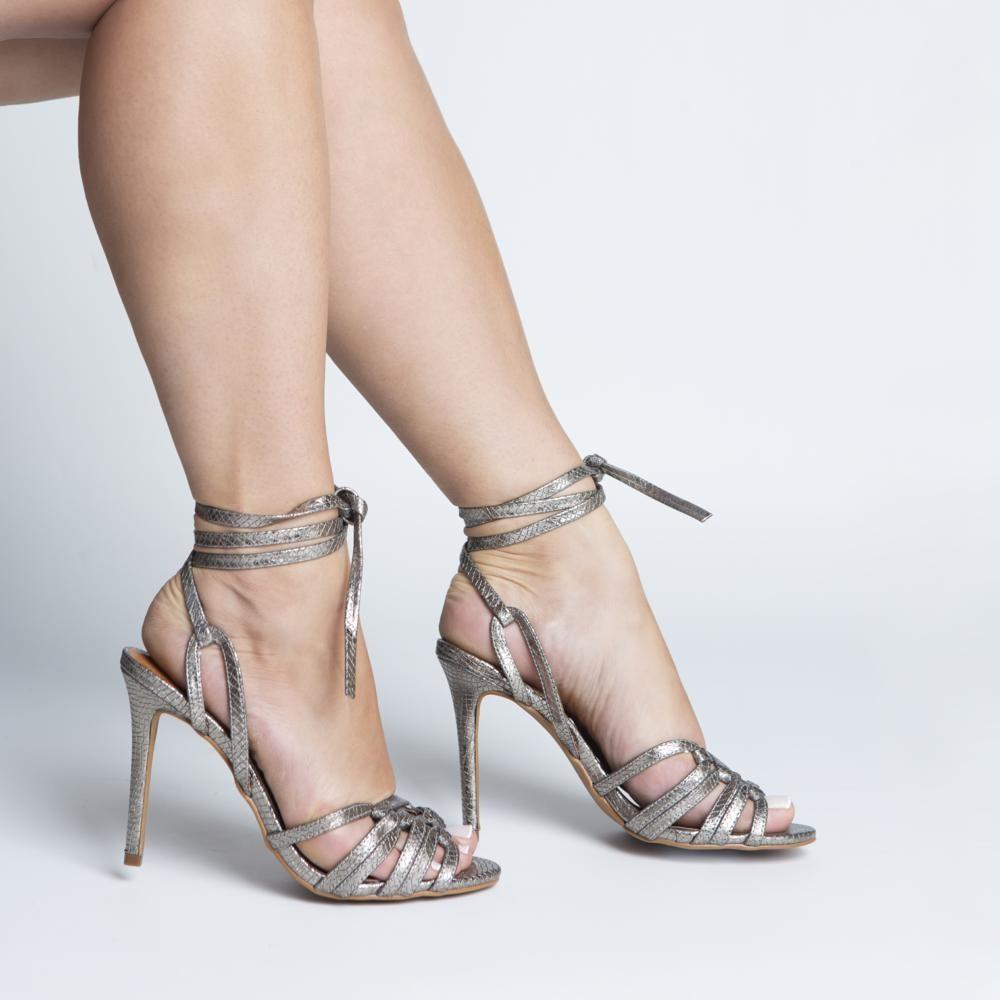 Sandália Várias Tiras Metalizado Pewter