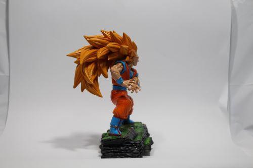 Boneco Dragon Ball Z - Goku Sayajin - Resina Artesanal  - Onda do Pet