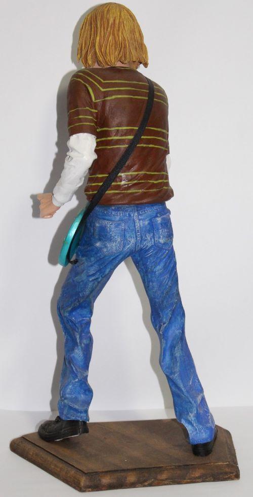 Estátua Curt Cobain- Resina Artesanal - Base Madeira  - Onda do Pet