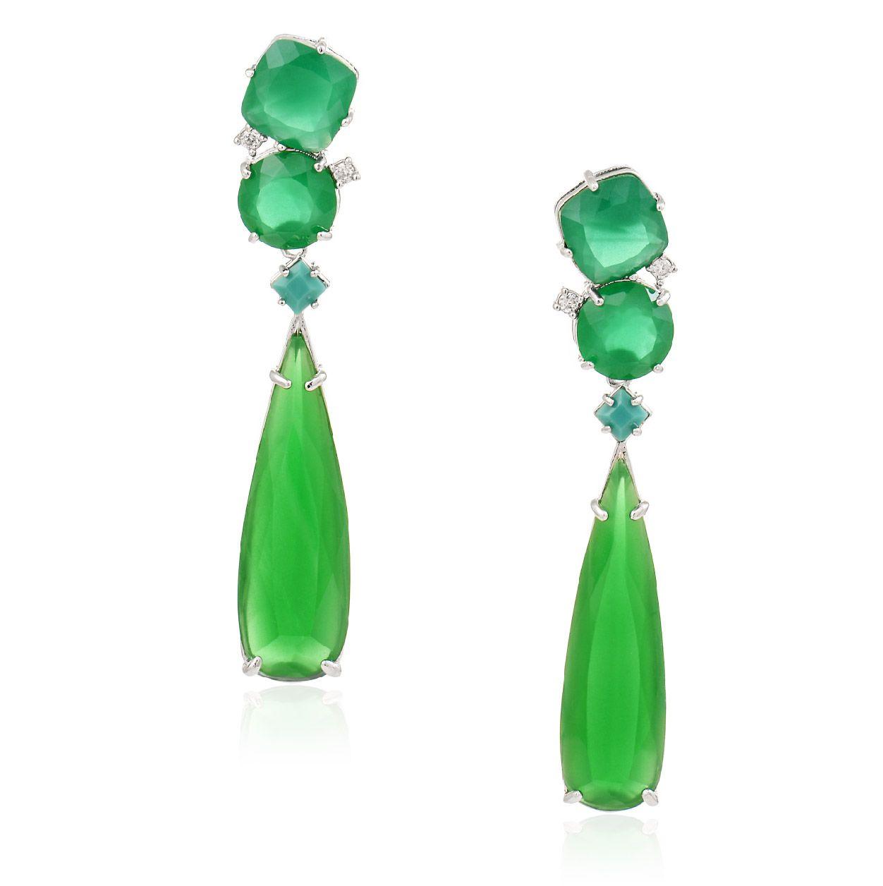 Brinco Látassa jade verde e turquesa, folheado no ródio branco.