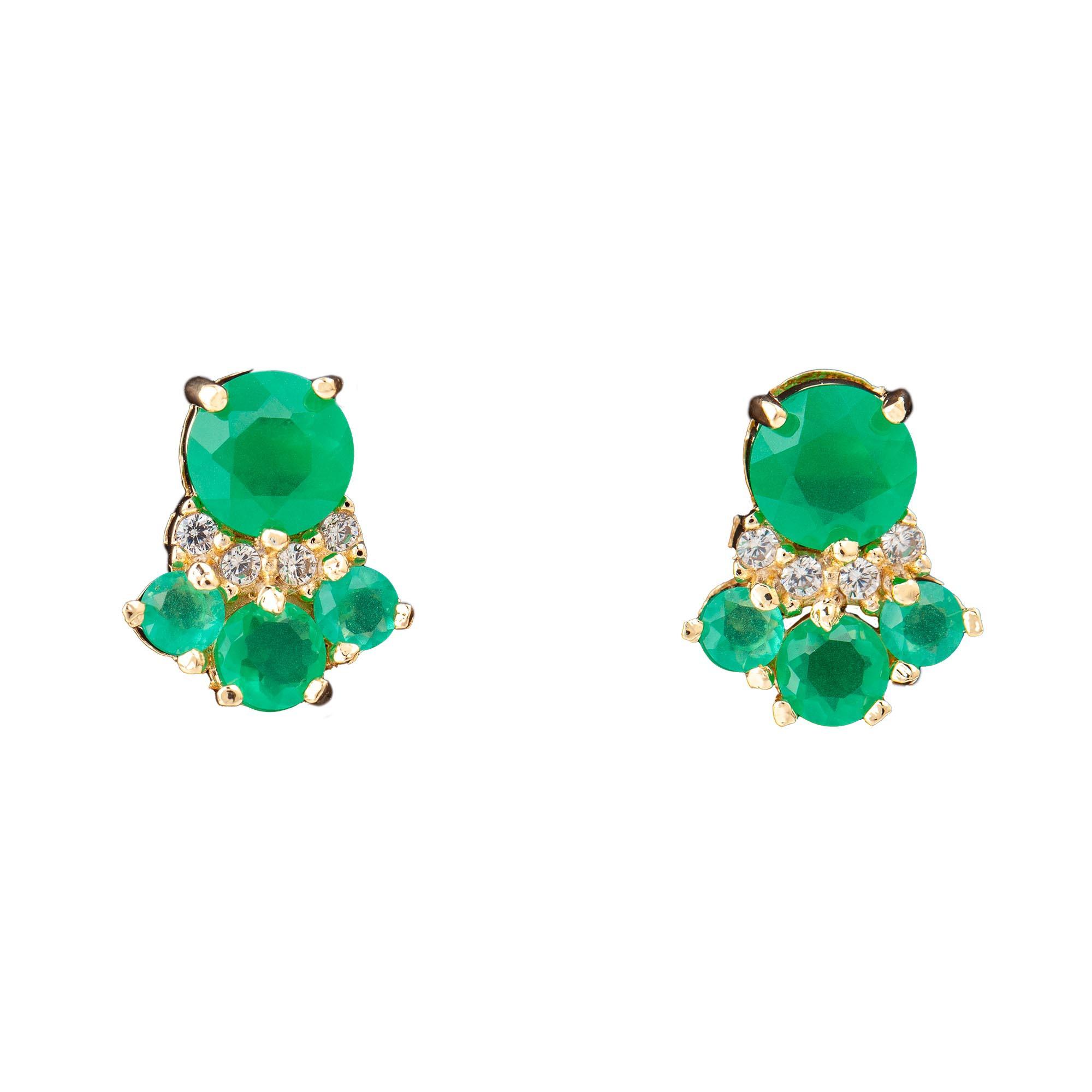 Brinco Uyuni, com jade verde, folheado no ouro 18k.