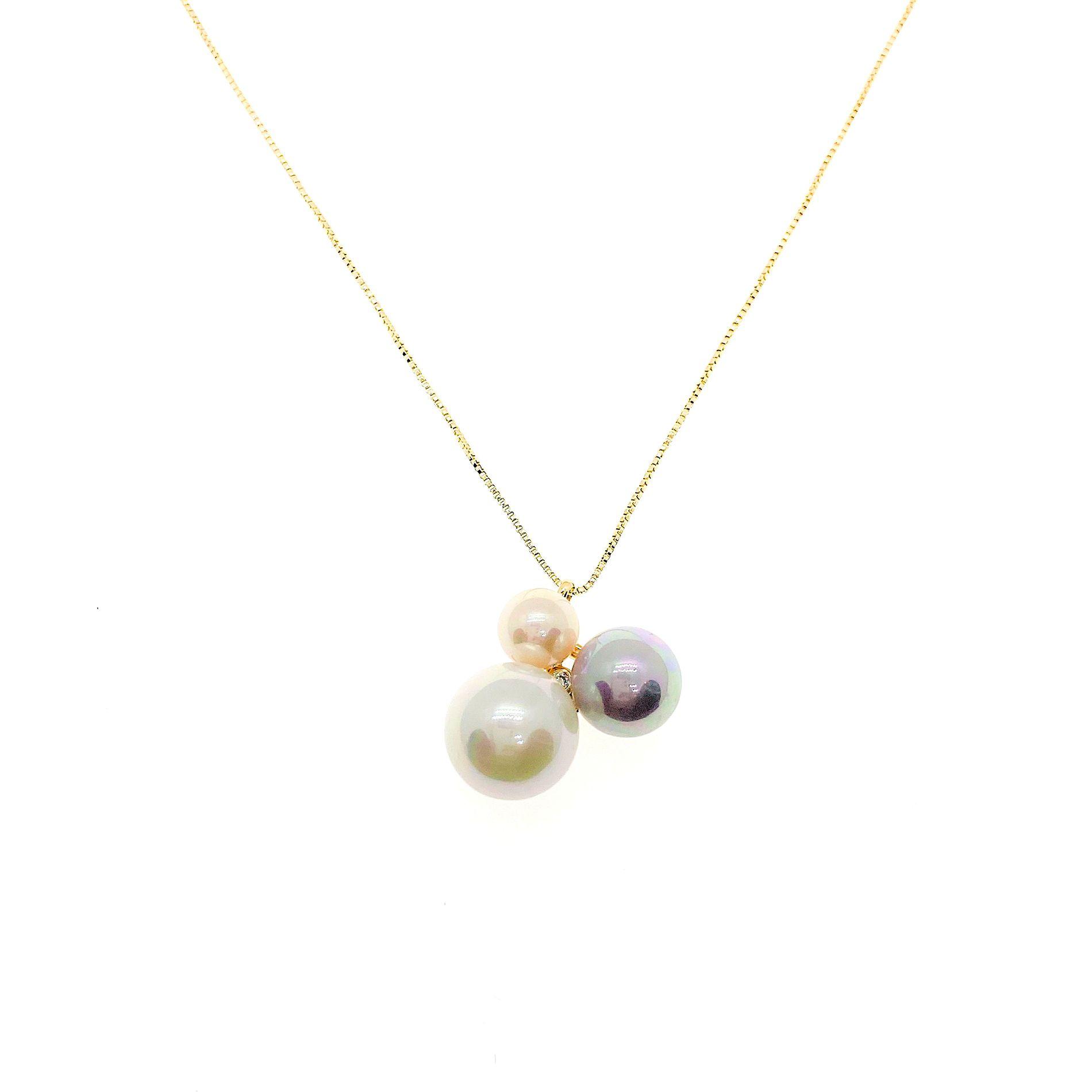 Colar Candy Pearls, folheado no ouro 18k.