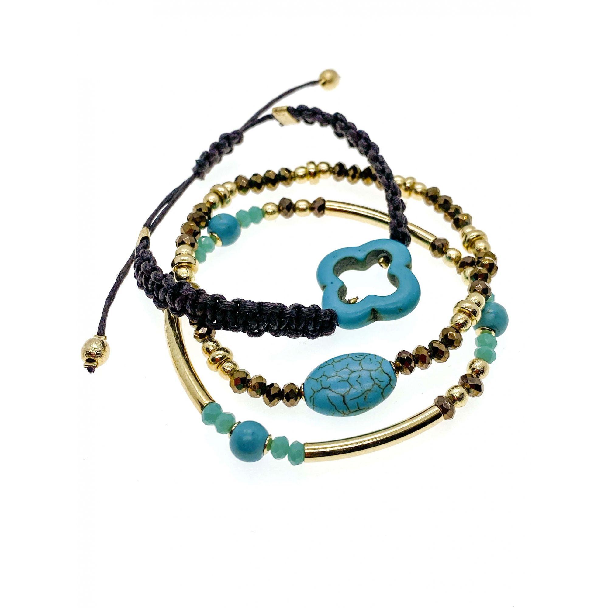 Trio de pulseiras Trancoso, com pedra turquesa e macramê.
