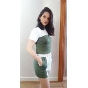 Conjunto t-shirt e shorts verde