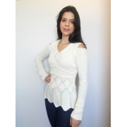Suéter ombro vazado