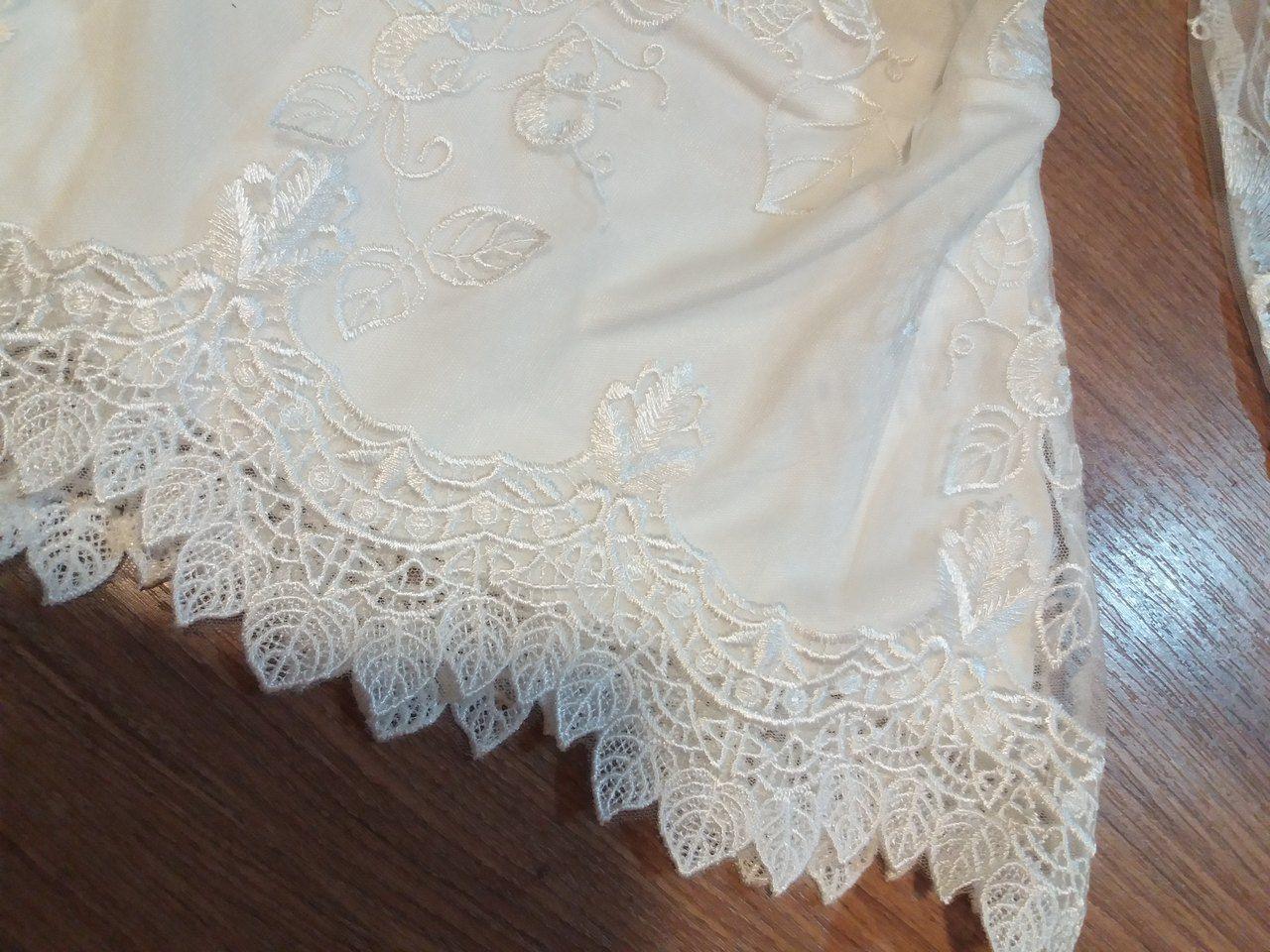 Blusa bordada manga longa