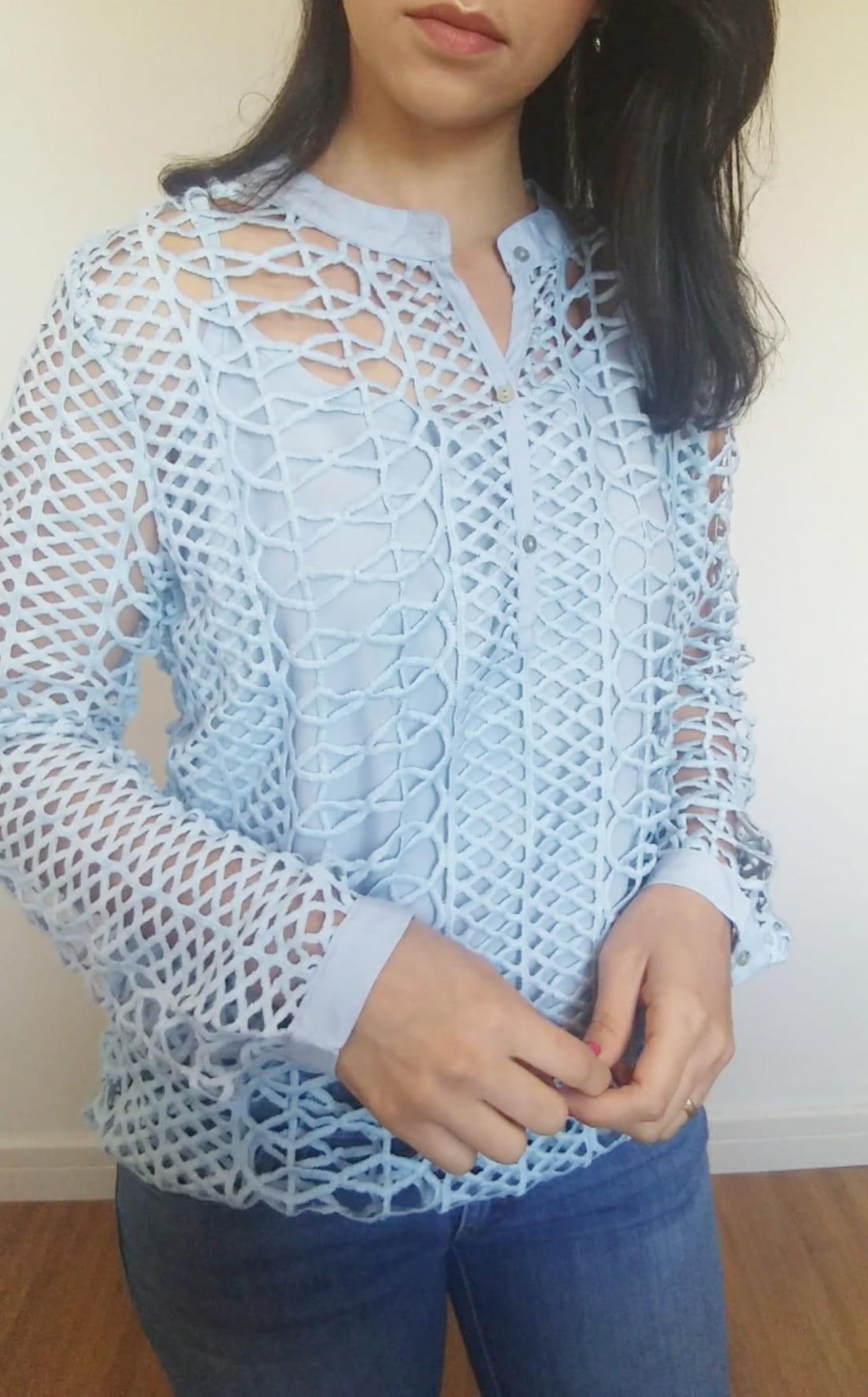 Camisa feminina vazada