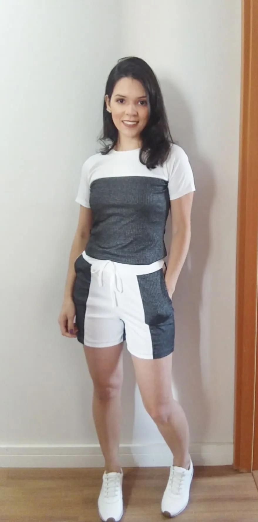 Conjunto t-shirt e shorts cinza