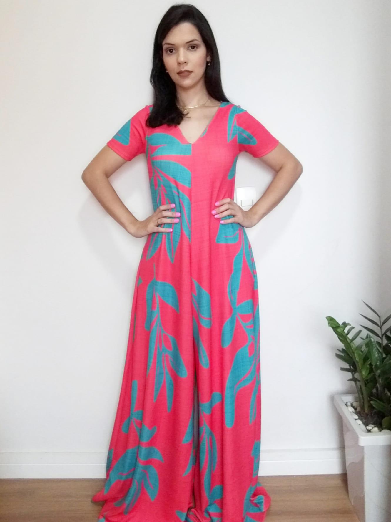 Macacão oversized pink azul