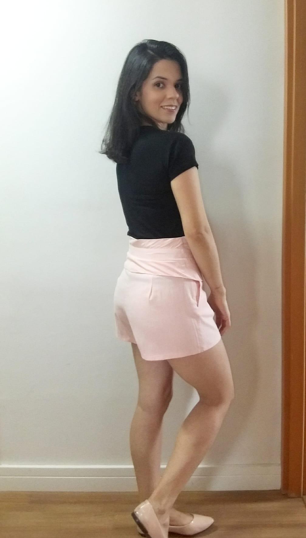 Shorts feminino tecido tipo linho cintura alta rosa