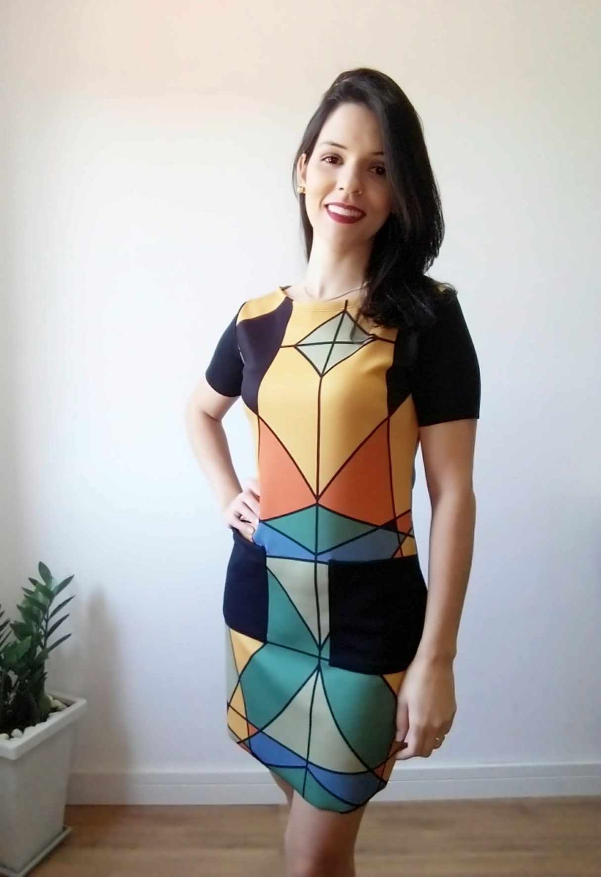 Vestido curto geométrico