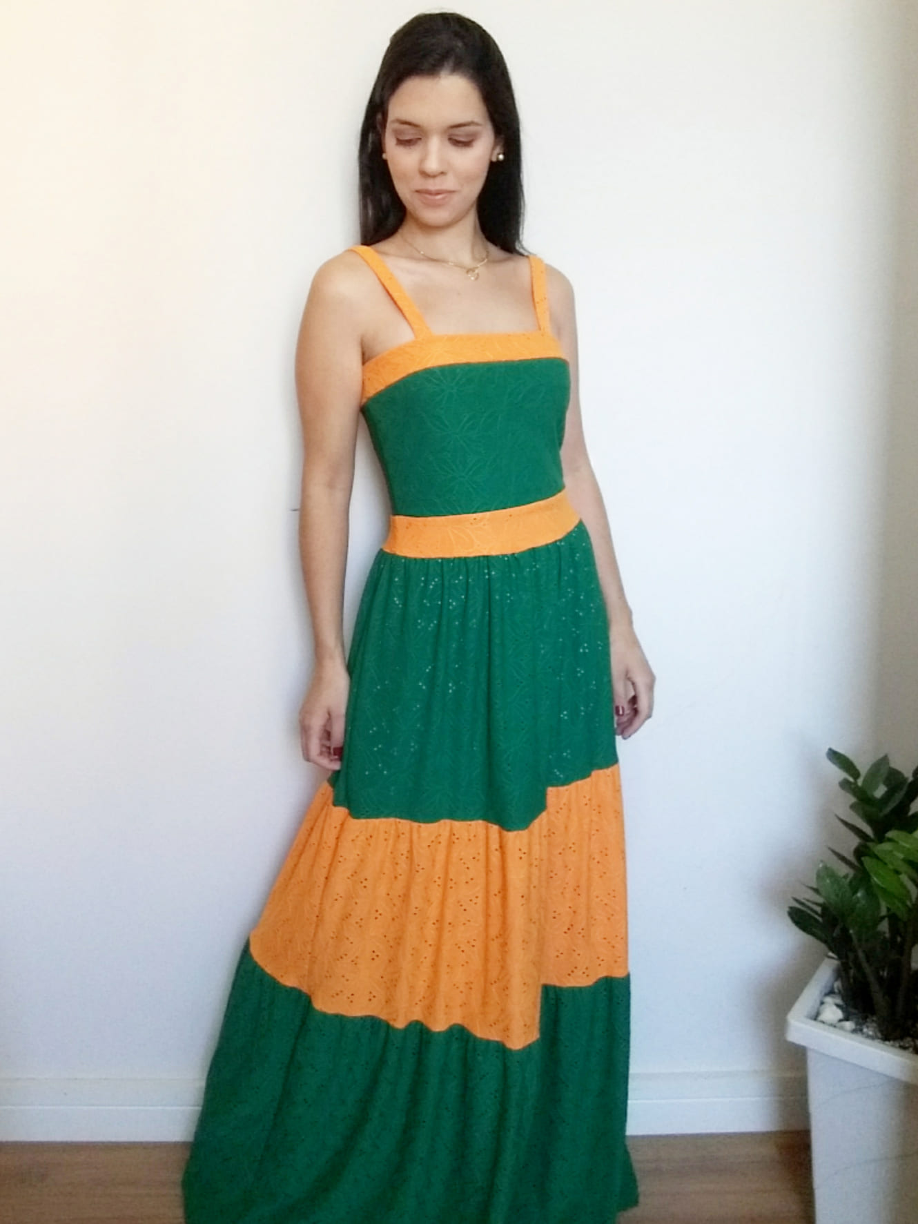 Vestido laise verde e laranja