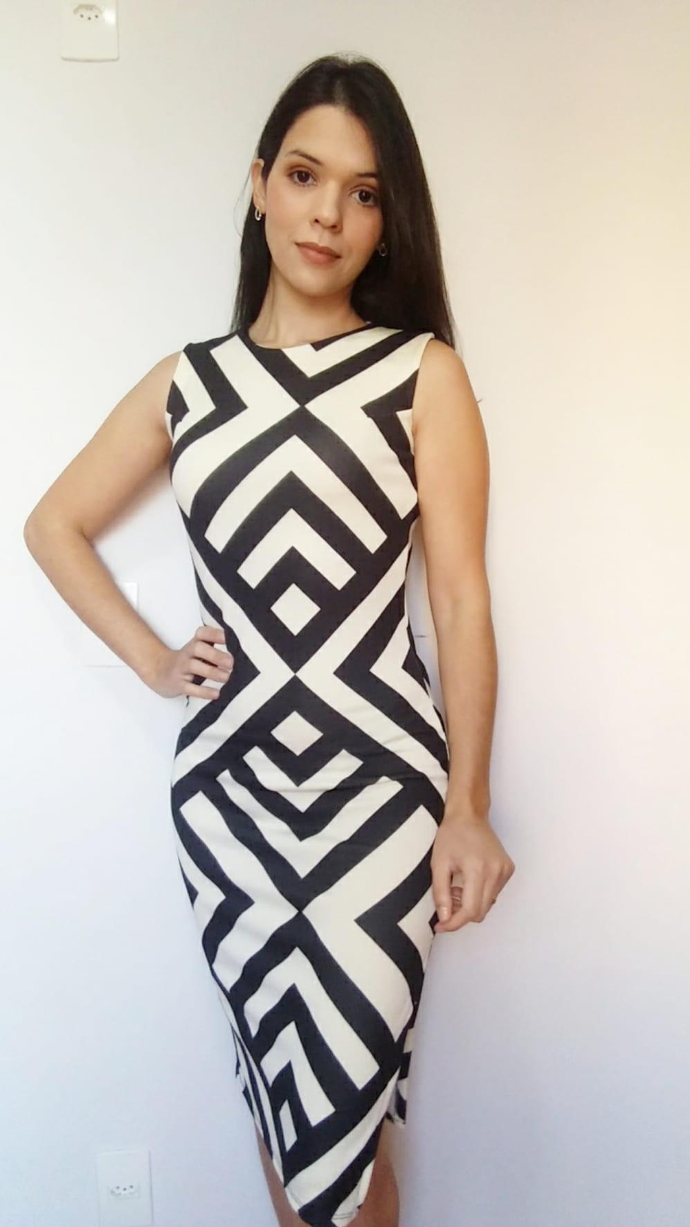 Vestido midi estampa geométrica