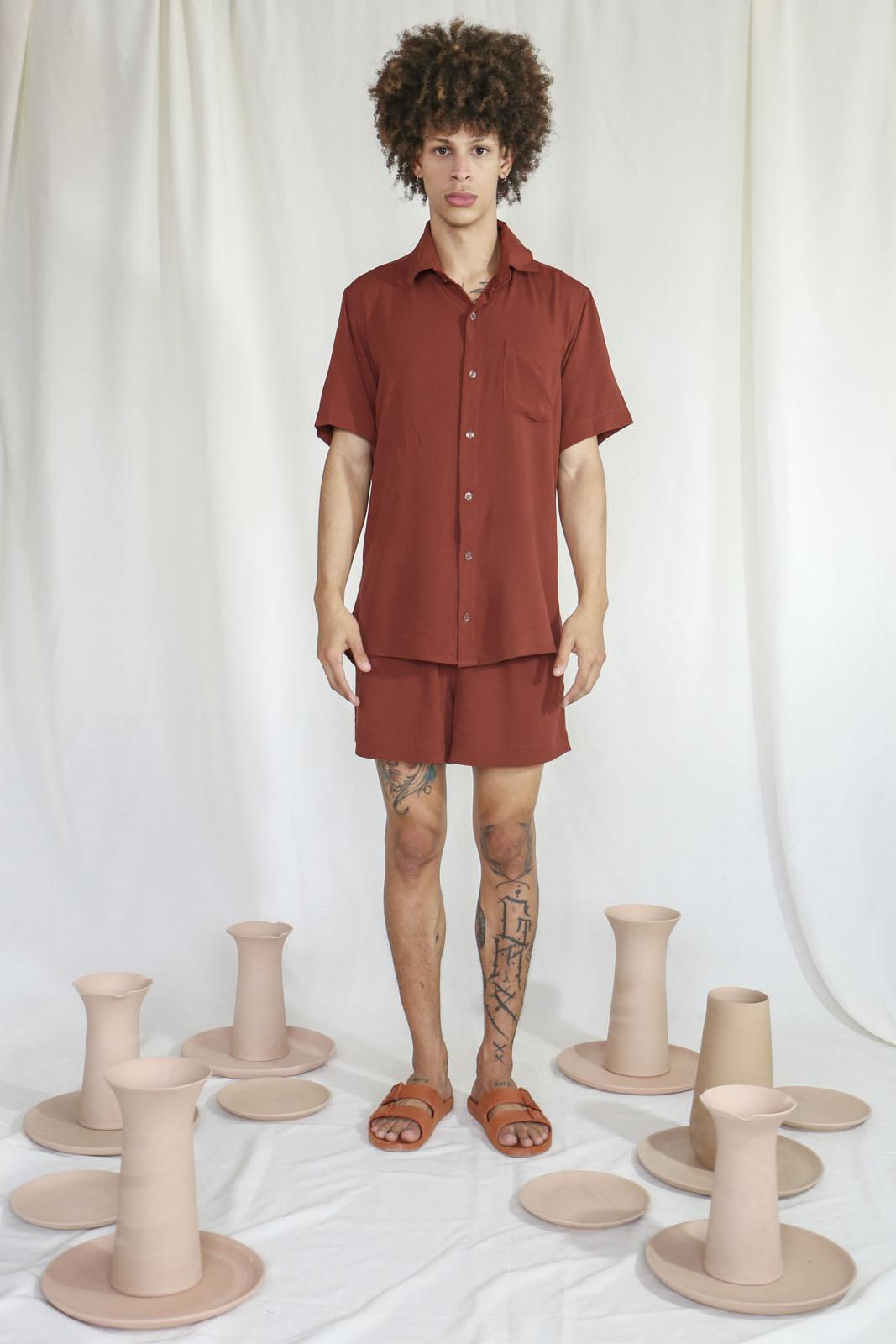 Camisa Marrom
