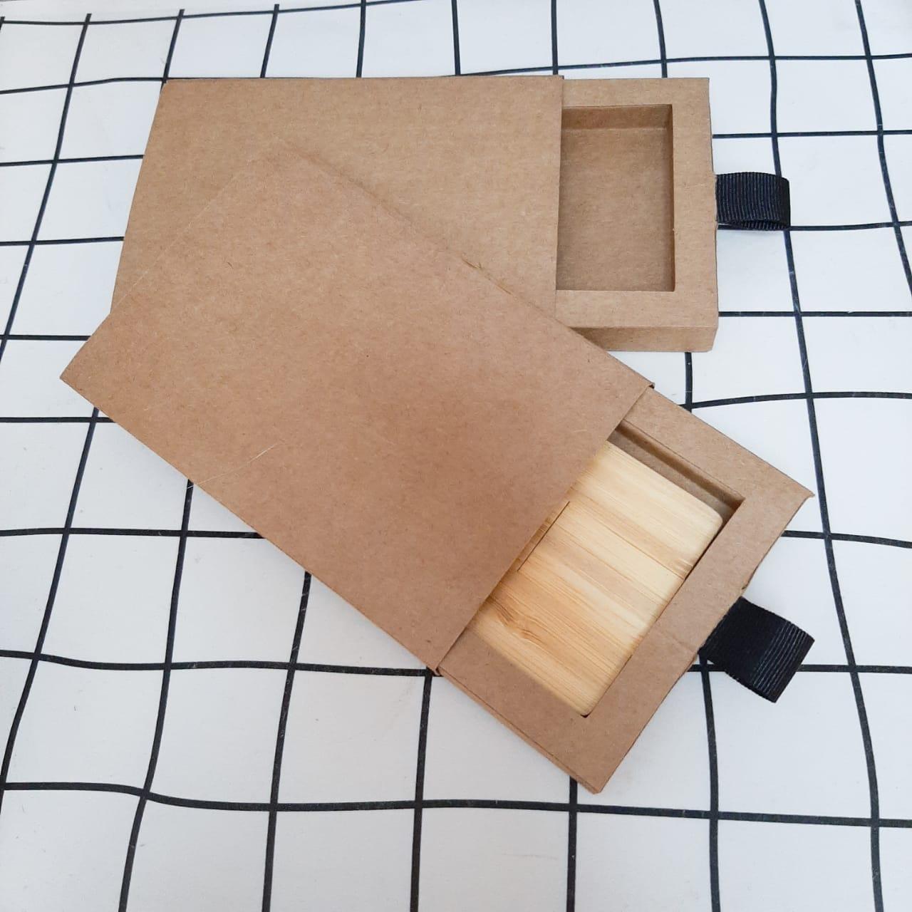 Kit pen card ecológico + Caixinha offset branca ou kraft pardo personalizados (MINIMO 5 PEÇAS)  - Premiere Brindes