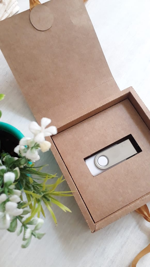 Kit pen drive giratório + caixinha offset branco ou kraft personalizados (MINIMO 5 PEÇAS)  - Premiere Brindes