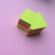 Sticky Notes em formato de Seta