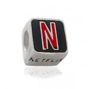 Berloque Netflix Prata 925