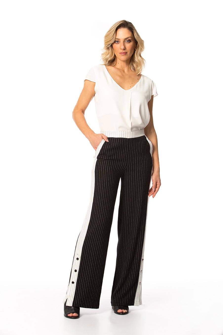Calça Crepe de Viscose Risca de Giz Pantalona Cós Alto Gatos e Atos