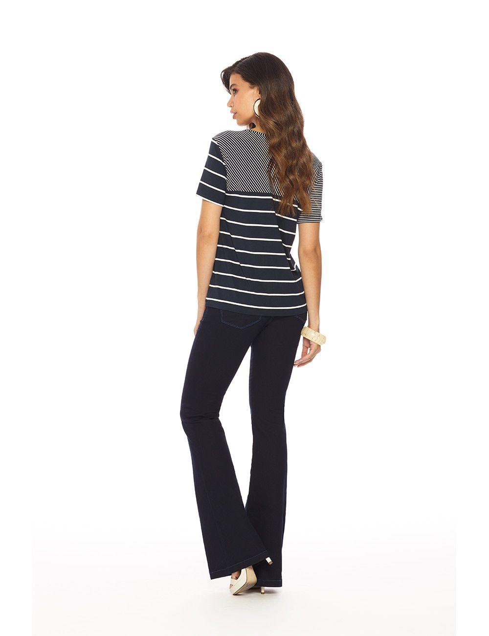 Calça jeans flare c/ elastano cós médio