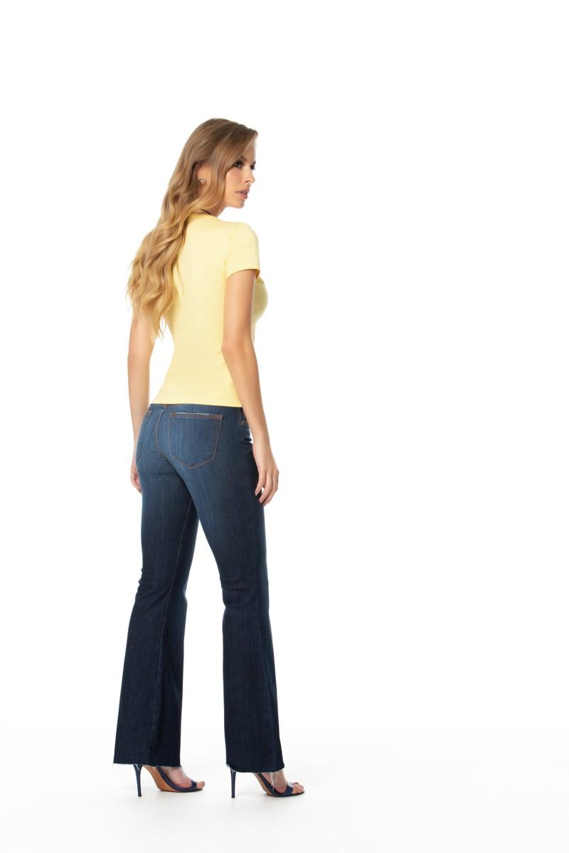 calça jeans flare cropped com elastano cós médio  Gatos e Atos