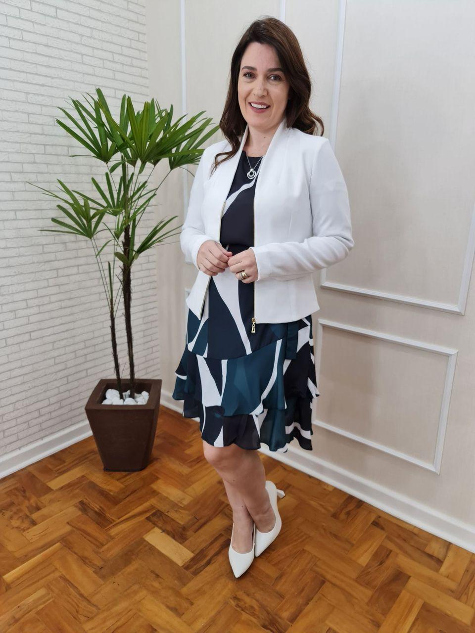 JAQUETA CECYTHA MODAS ANANDA EM ALFAIATARIA OFF-WHITE MODA EVANGÉLICA