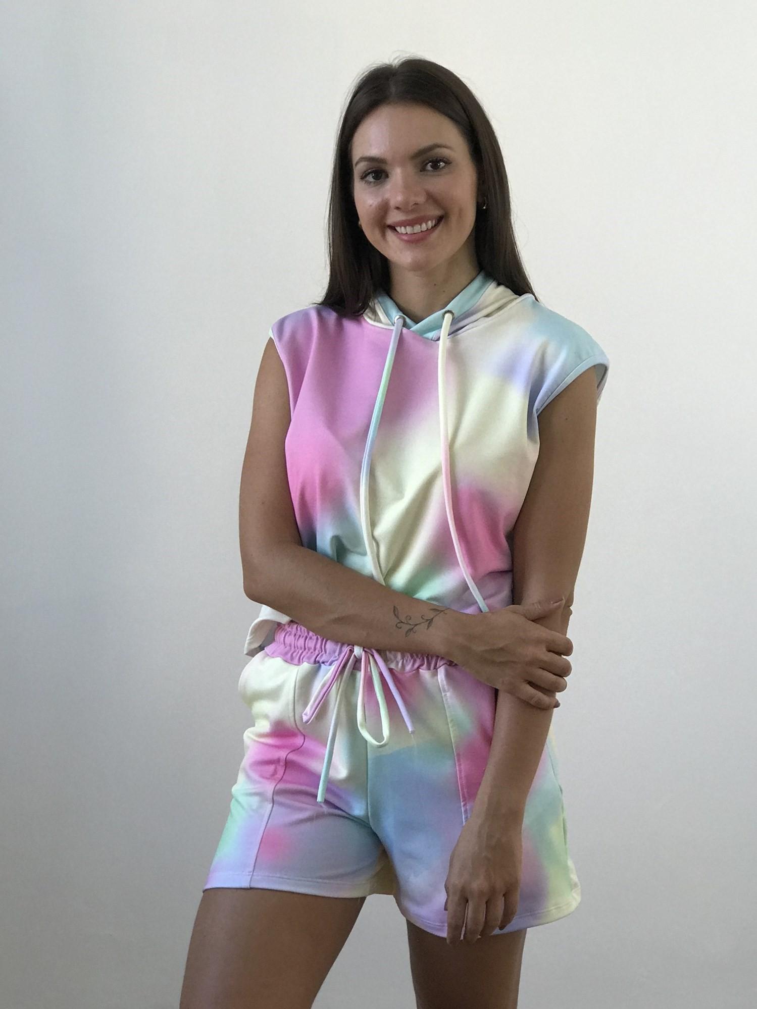 Conjunto Shorts e Blusa com Capuz Tie Dye