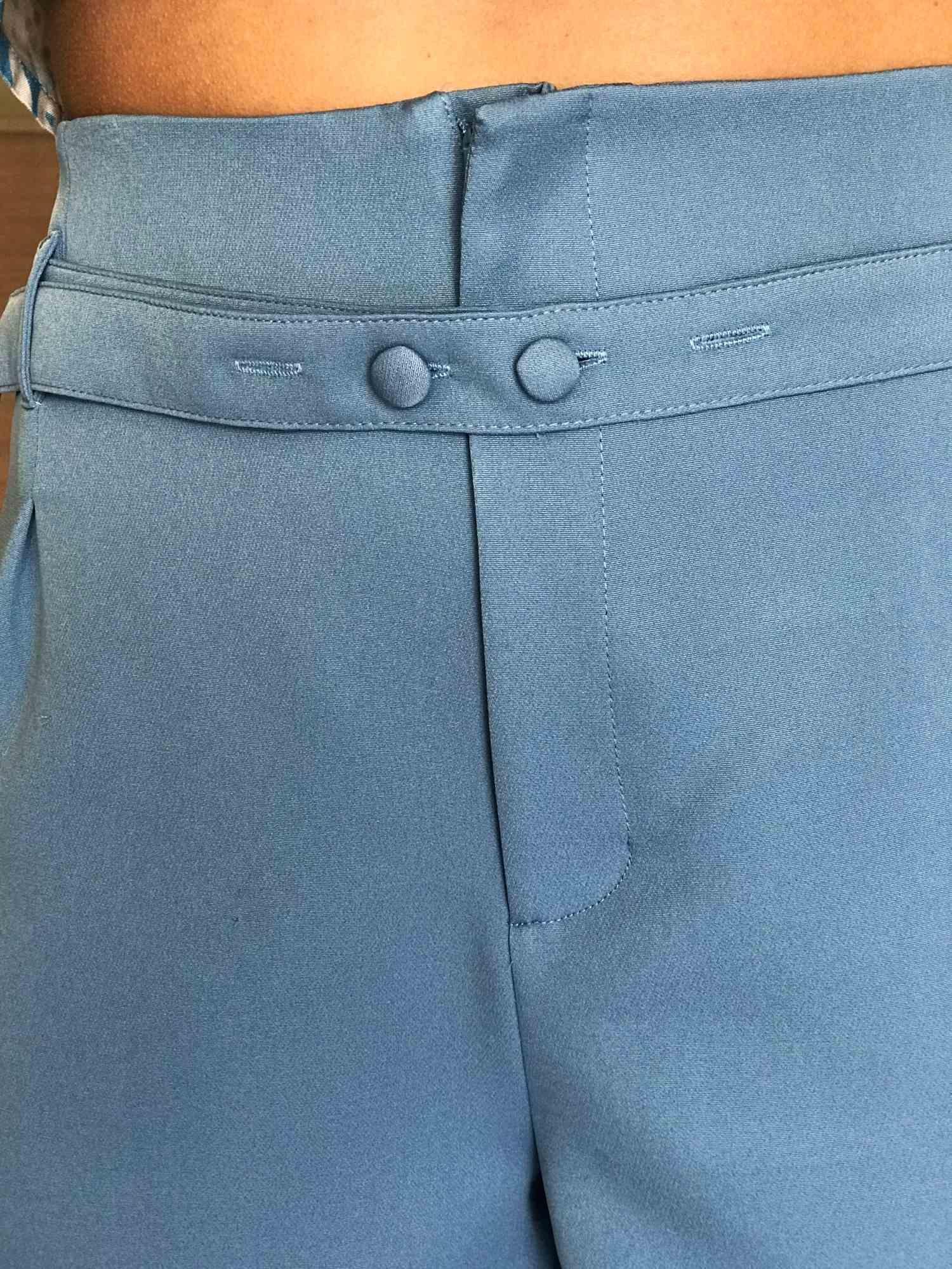 Shorts Alfaiataria Cinto de Botões