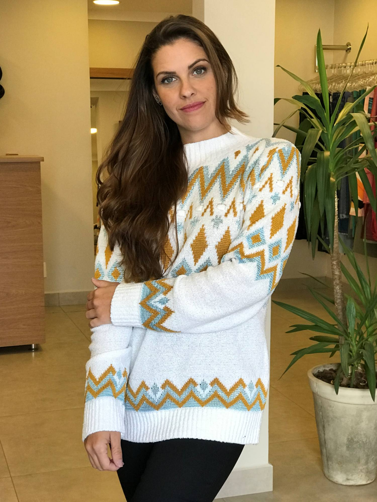 Suéter Tricot Estampa Étnica Dourada
