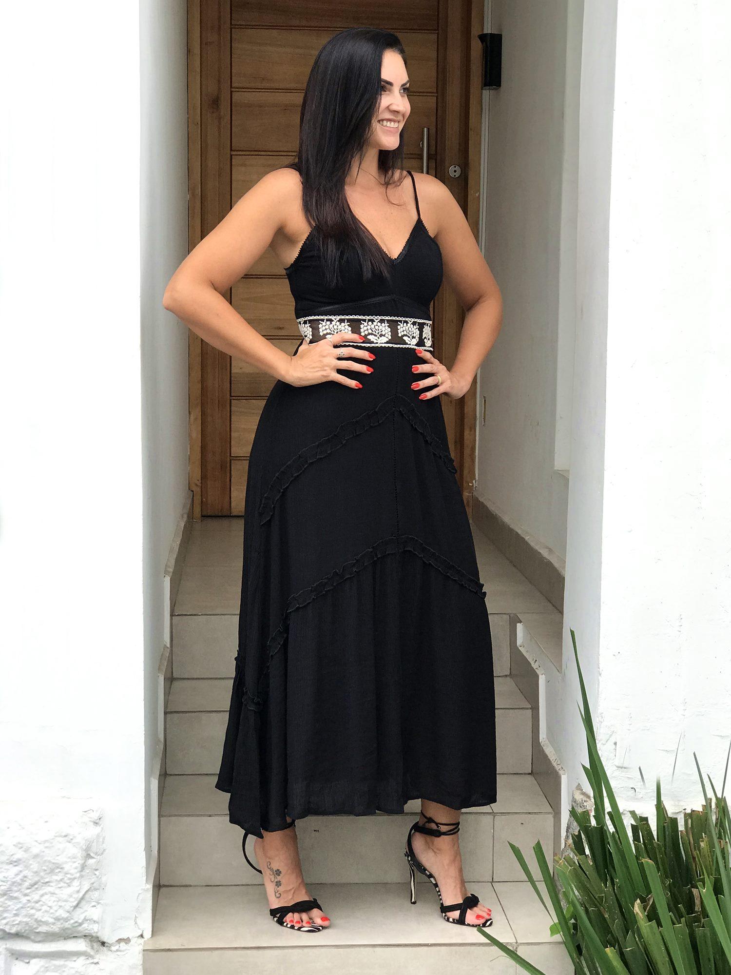 Vestido Longo detalhe em Tule com Renda