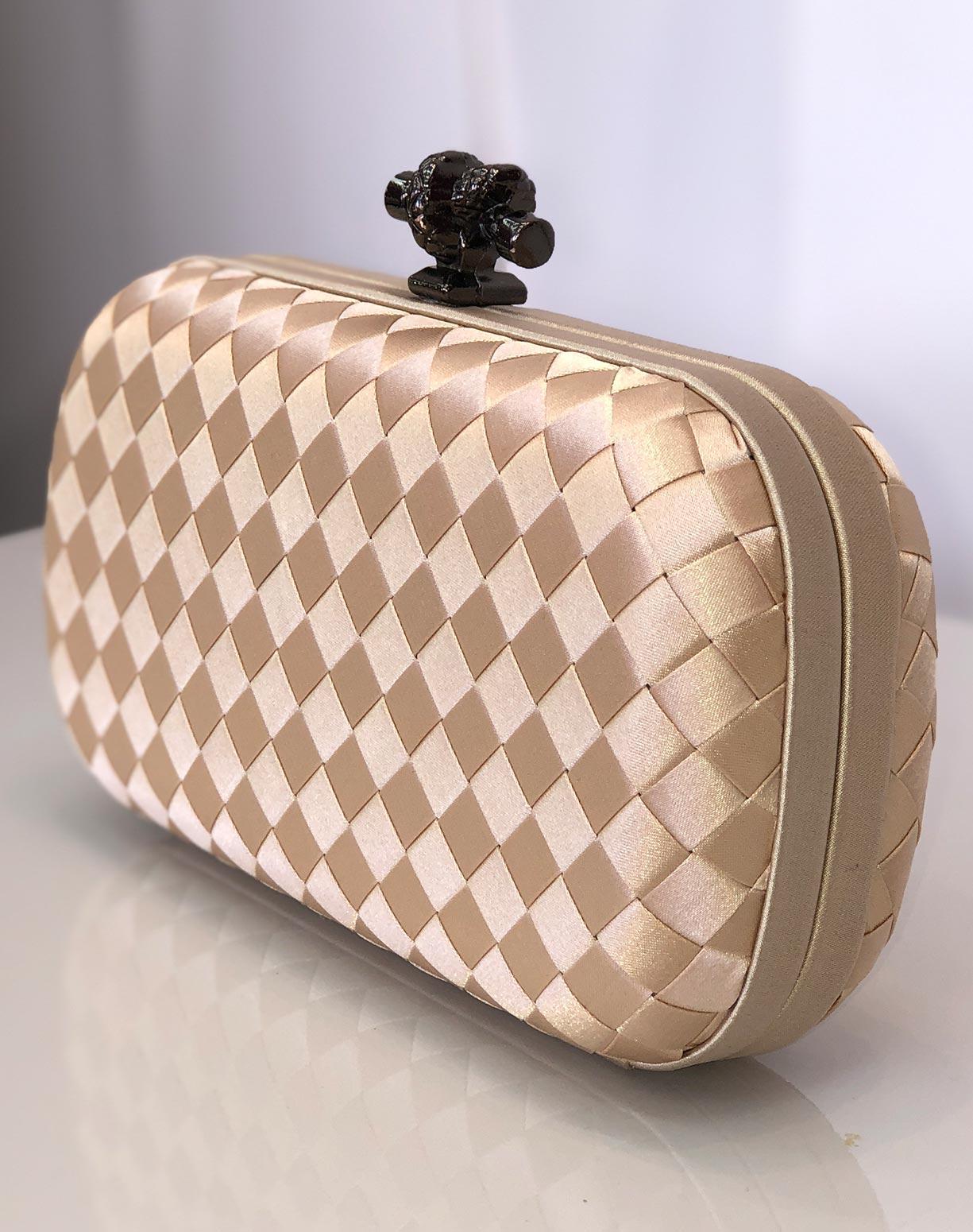 Clutch Bottega Venetta Inspiration Dourado