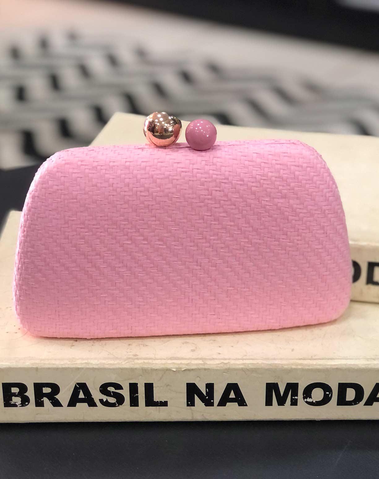 Clutch em Palha Rosa Modelo Arredondado
